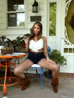 Liza Rowe In Frilly Boots ::: Als Scan :::