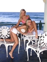 Noemi And Sandy By Als Photographer In Hedonistas ::: Als Scan :::