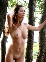 Gabrielle B By Raphael Nature Walk ::: Eroticbeauty :::