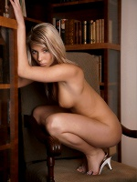 Danae By Erro In Bookwomen - Photo 6