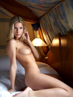 Iveta By Erro In Sunday Bed - Photo 3