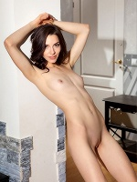 Amber B By Tom Leonard In Catch Me ::: Femjoy :::