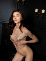 Amber B By Tom Leonard In Waiting For Tonight ::: Femjoy :::
