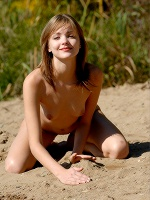 Amelie Jan Svend Easy To Love You ::: Femjoy :::