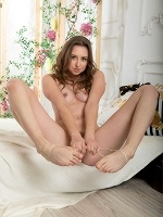 Dara W By Tom Leonard In Be My Guest ::: Femjoy :::