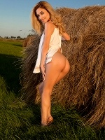 Davina C By Tom Leonard In Farmer Girl ::: Femjoy :::