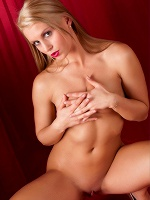 Giulietta By Chris F In Red Light District ::: Femjoy :::