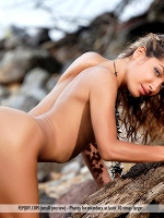 Laila Tom Rodgers Wild Thing ::: Femjoy :::