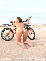 Manu E By Santiago Aztek In Stay Fit ::: Femjoy :::