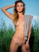 Rena By Pazyuk In Feels Good ::: Femjoy :::