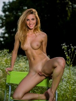 Rena By Pazyuk In Pure ::: Femjoy :::