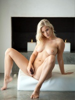 Miela Blonde Ambition - Photo 12