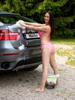 Marion By Koenart In Car Wash - Photo 3