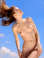 Anya Caressing The Breeze - Photo 9