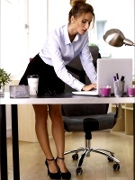 Cara Mell The Office Girl - Photo 2
