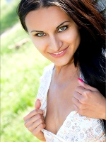 Marjana On The Farm ::: Mpl Studios :::