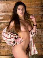 Selita Cowgirl - Photo 1