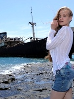 Angel B In Shipwreck - Photo 1