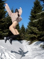 Lady Dee In Peeing In The Snow ::: Watch4beauty :::