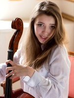 Milla In Violoncello ::: Watch4beauty :::