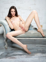 Olyvia In Strict Beauty ::: Watch4beauty :::