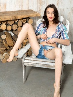 Olyvia In Wooden Design - Photo 4