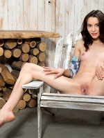 Olyvia In Wooden Design - Photo 8