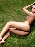 Sapphira In Relax In The Grass - Photo 5