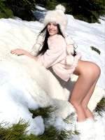 Sapphira In Snow Games - Photo 1
