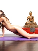 Georgia Nude Yoga - Photo 2